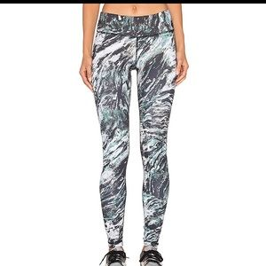 NWT Vimmia Long Legging in Marble sz S